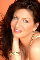Comedian Tammy Pescatelli discount offer for in Schaumburg, IL (Chicago Improv of Schaumburg)