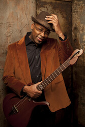 discount password for Lionel Loueke Trio tickets in Chicago - IL (Mandel Hall)