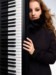 Lise de la Salle, Piano discount opportunity for in Chicago, IL (Mandel Hall)