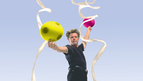 Comedy Juggler Mark Nizer